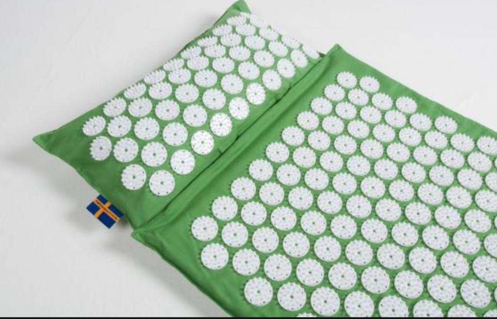 acheter un tapis d 39 acupression ce qu 39 il faut savoir avant l 39 achat. Black Bedroom Furniture Sets. Home Design Ideas